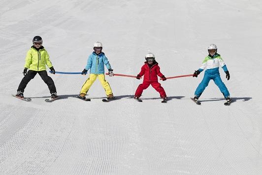 DSLV_Kids_on_snow_abfahrt_kette klein